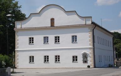 Bürgerhaus Giebelansicht nach Restaurierung (08-2012)